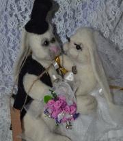 свадебная парочка зайцев мастера Якущенко ирина