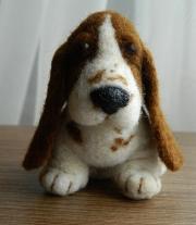 Автрорская игрушка - Бассет Хаунд