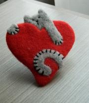 Брошь - Теплое сердце