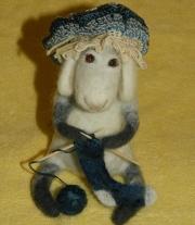 Бабе-е-етта за вязанием