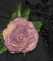 «Брошь валяная Лиловая роза»