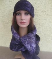 Валяная шапочка в комплекте с шарфом