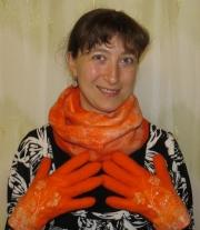 Комплект валяные перчатки и шарф-снуд