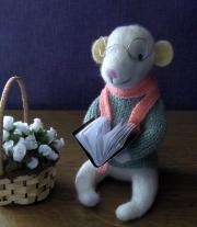 Мышонок-читатель
