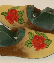 Тапочки валяные Розы