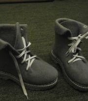 Валяные ботинки, на подошве.