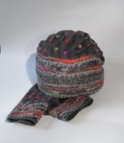 Комплект валяный ′Монпасье′ шапочка митенки