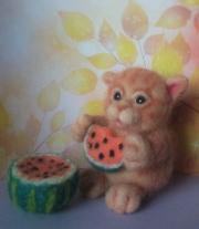 Котик с арбузом