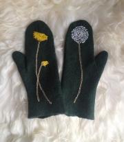 Валяные рукавички мастера Мелания