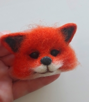 Брошь лисичка из натуральной шерсти