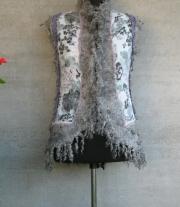 Валяный жилет ′Серебряный