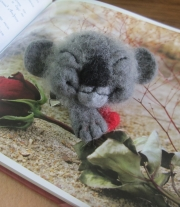 Брошь коала