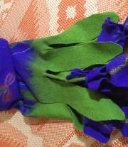 Валяный шарф «Ирисы»