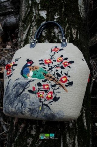 Авторская валяная сумка, выполненная в технике шерстяная акварель.