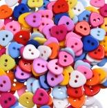 пуговицы декоративные сердце цветное пластик